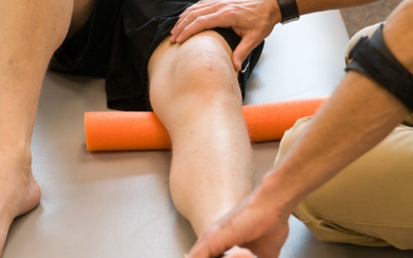 physical therapy on knee